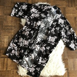 Spiritual Gangster OS Black White Floral Kimono
